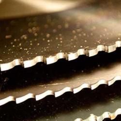Detector de metais impede a entrada de serra em presídio
